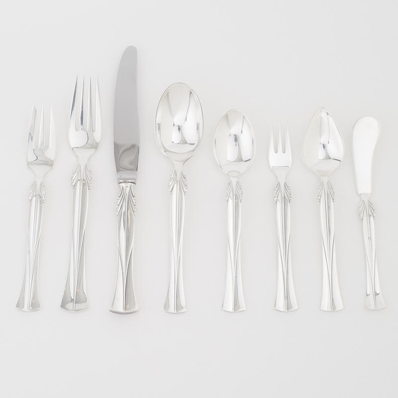 """Queen Christina"" Flatware Service for 8"